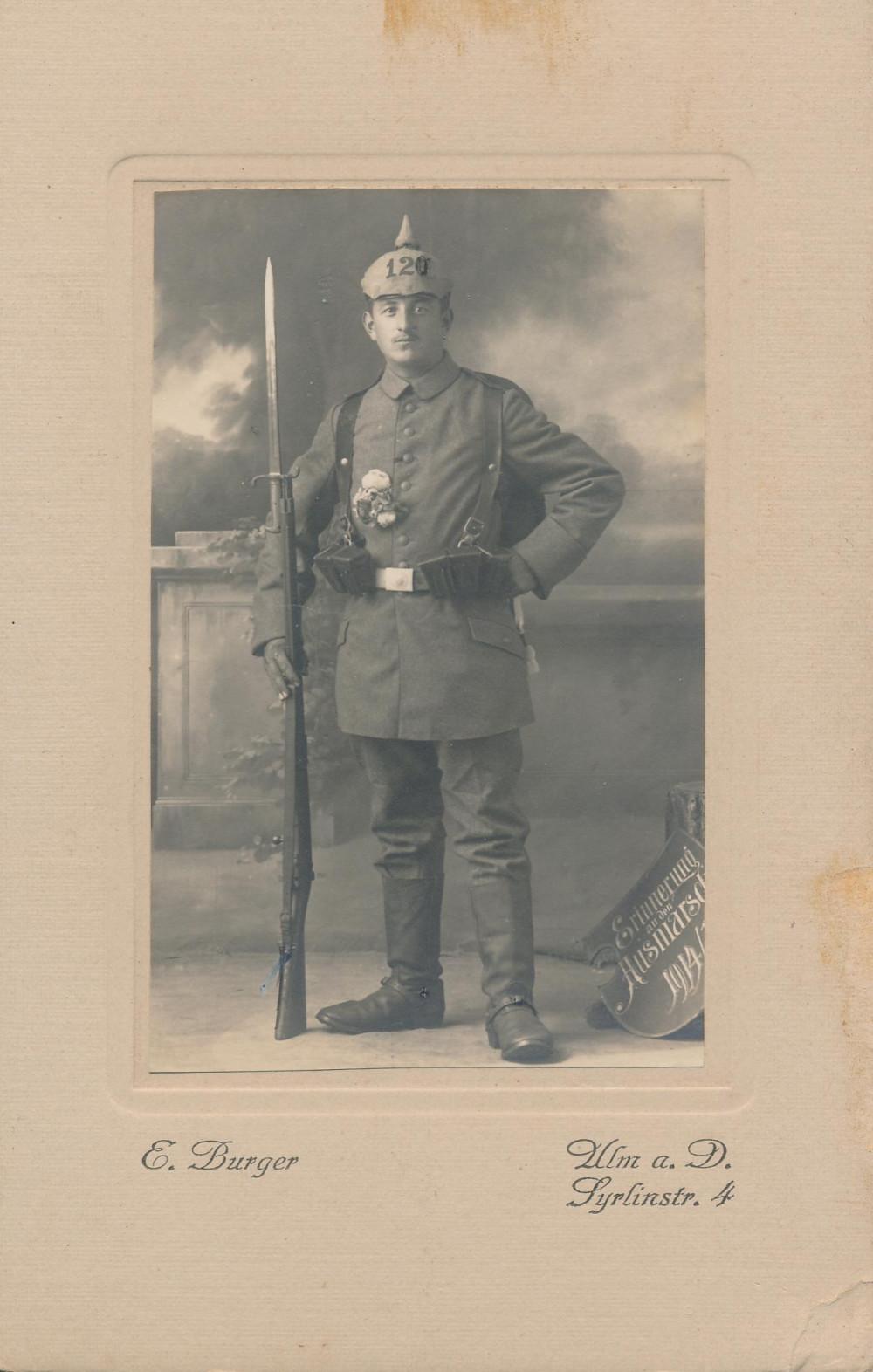 Studioaufnahme Bernhard Hetterich als Musketier des Reserve Infanterie-Regiment, 1914