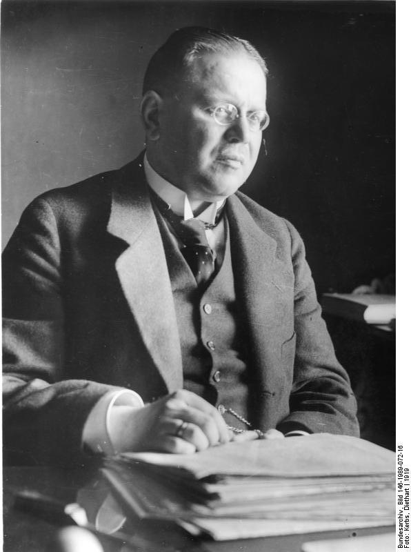 Matthias Erzberger, 1919 (Bundesarchiv Bild 146-1989-072-16)