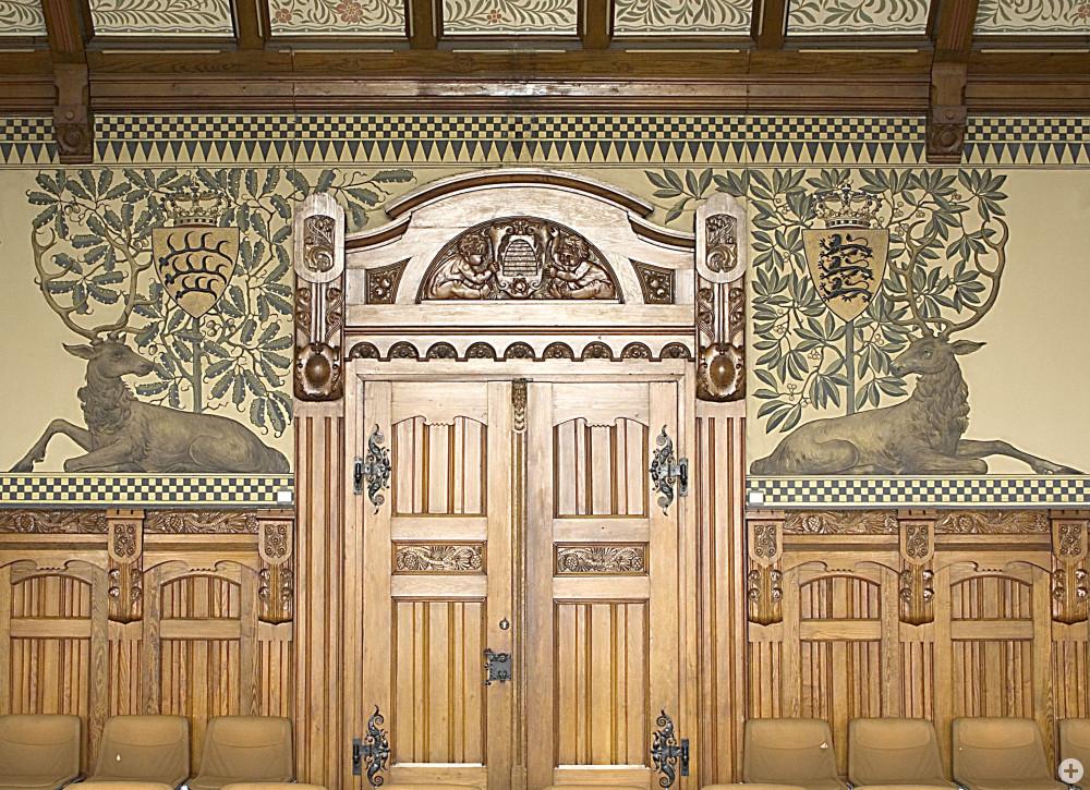 Innenansicht des Türsturz im Großen Sitzungssaal
