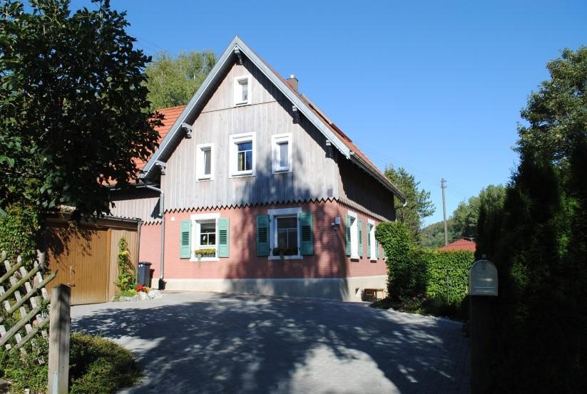 Forstwartsgebäude in Offenhausen