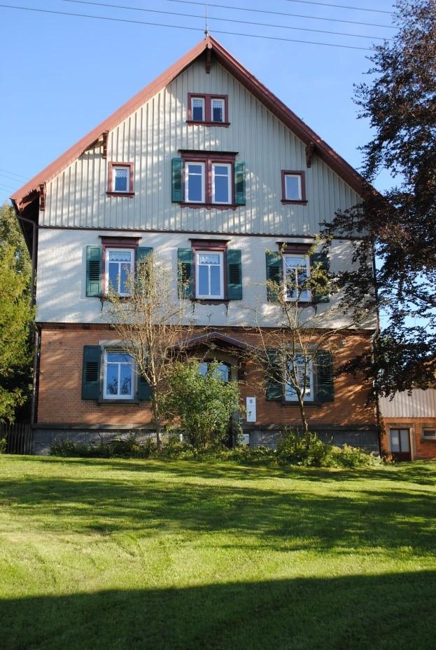 Forsthaus in Kleinengstingen